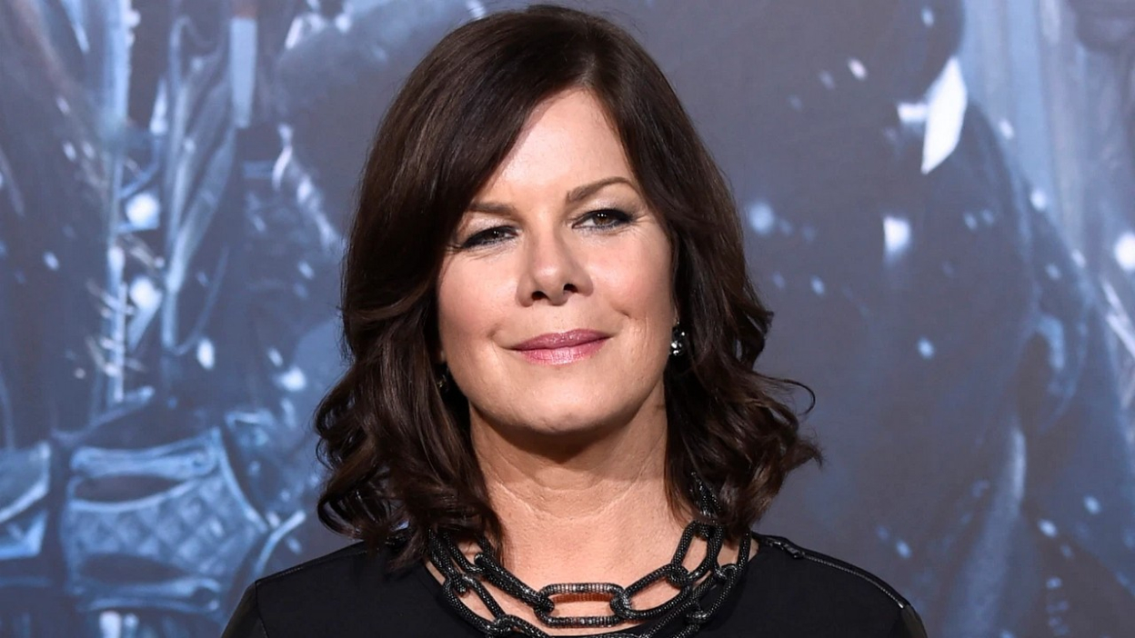 A Million Little Things : Marcia Gay Harden guest.