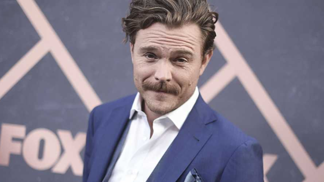 Into the Dark : Clayne Crawford au casting