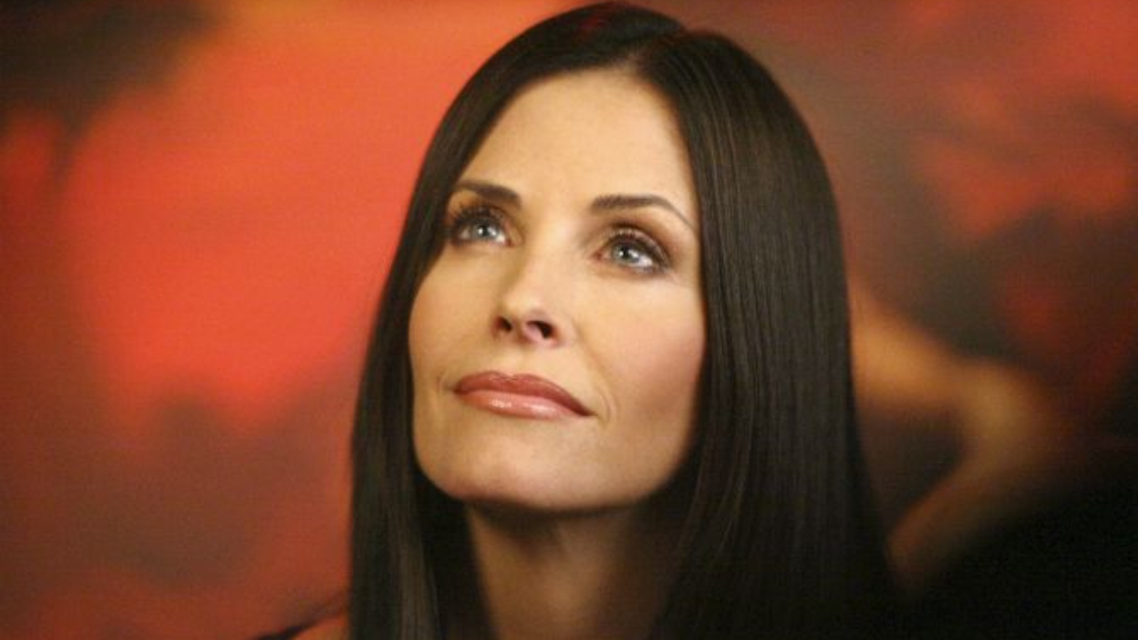 Modern Family : recrute Courteney Cox