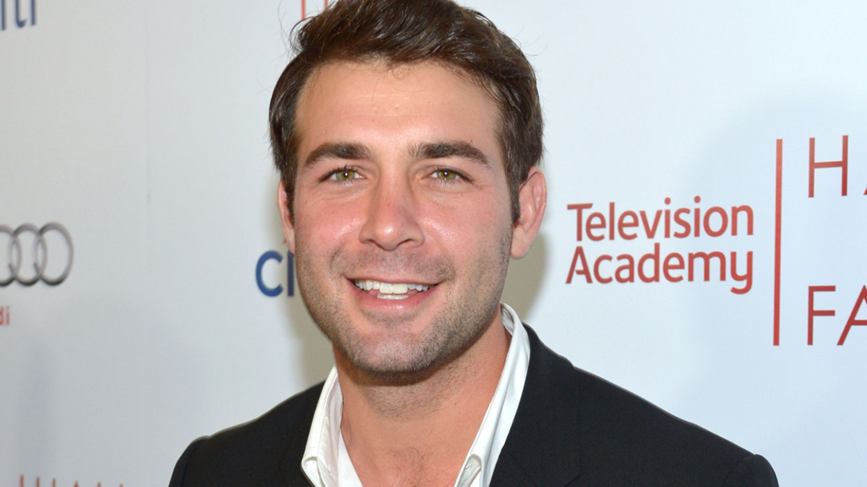Ordinary Joe : James Wolk au casting de la série.