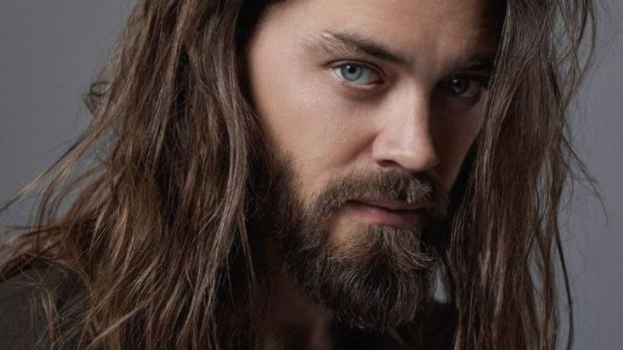 Prodigal Son : Tom Payne remplance Finn Jones