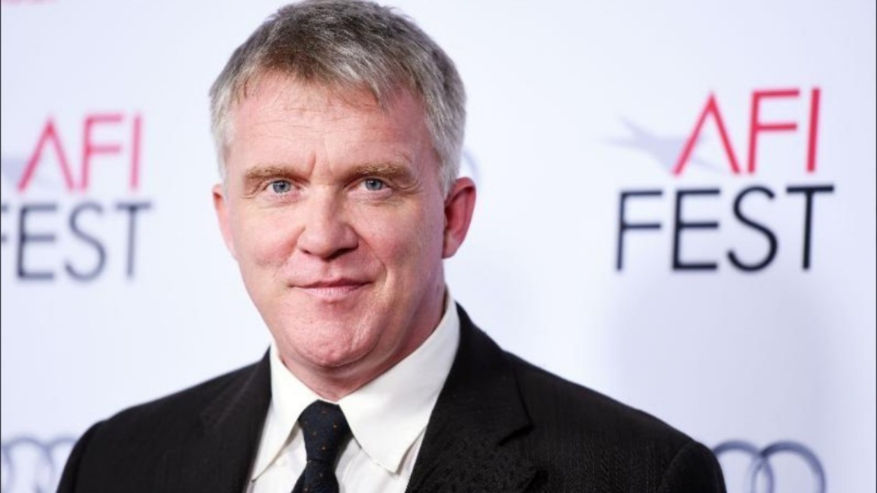 Riverdale : Anthony Michael Hall dans la saison 3 !