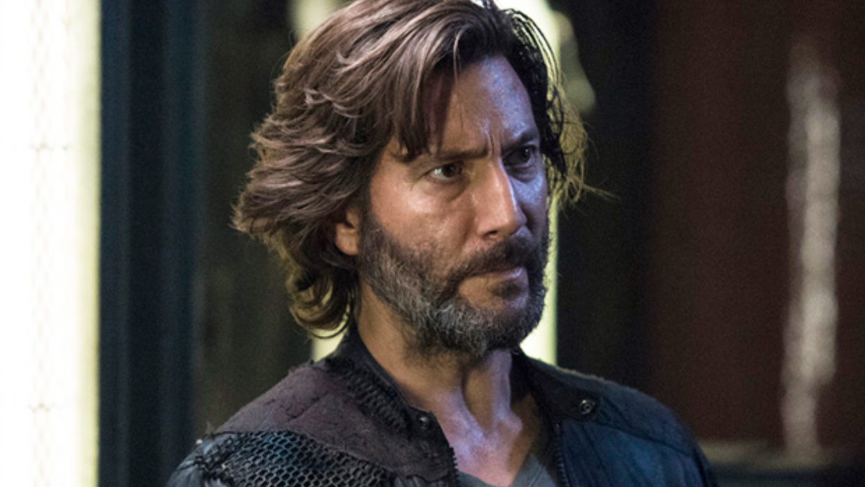 The 100 : Henri Ian Cusick annonce son départ « May We Meet Again »